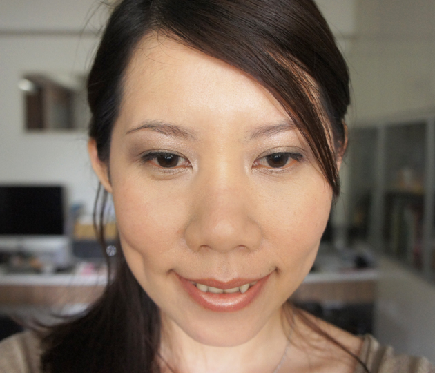 FOTD - Burberry Sheer Foundation Trench No.04