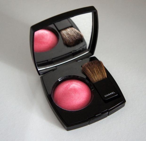 Chanel Joues Poudre Powder Blush in 67 Rose Tourbillon