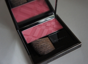 Burberry Light Glow in Coral Pink No.09