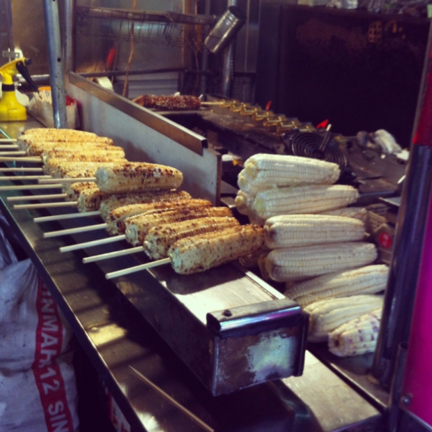 Food in Taipei - Grilled corn